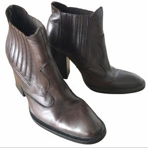 Leather Western Cowboy Brown Booties - size 6 US